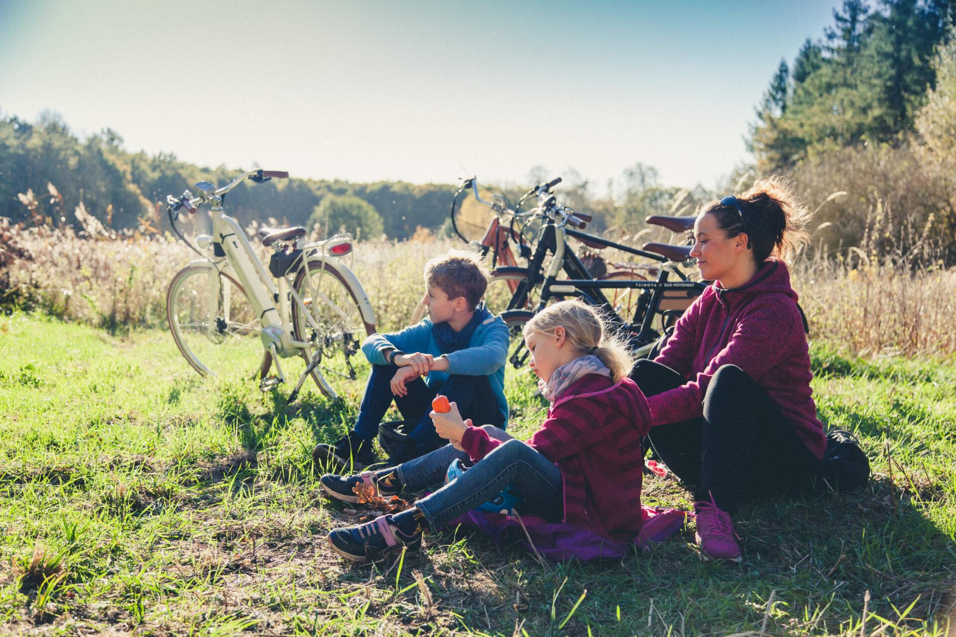 Mutter mit Kindern auf Rad Florian Foest