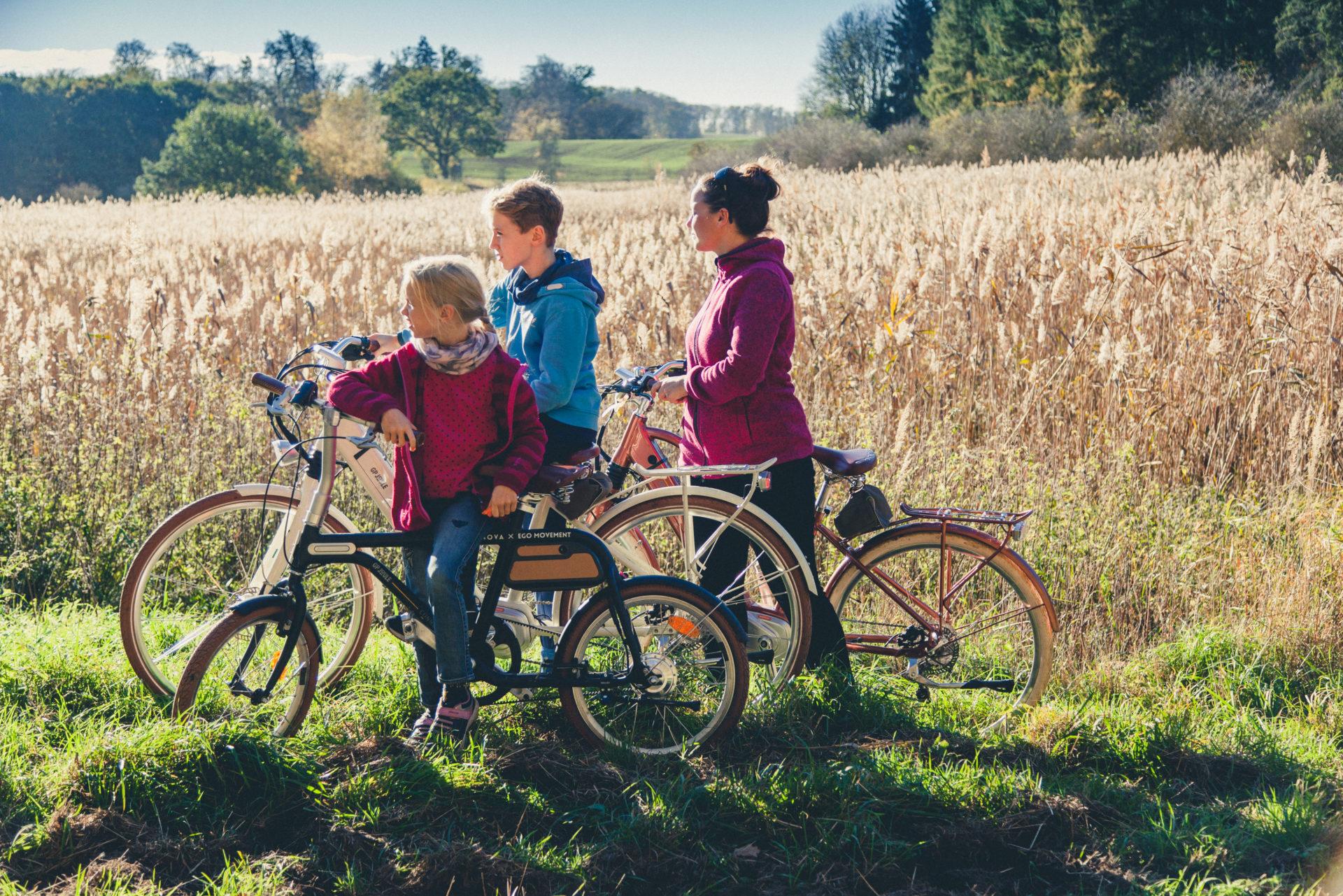 Familie mit E-Bikes Florian Foest